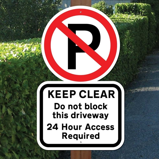 Picture of DRIVEWAY KEEP CLEAR SIGN