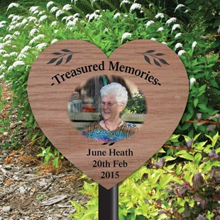 Picture of Outdoor Photo Heart Memorial Plaque