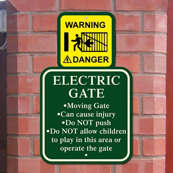 Picture of Electric Gates Warning Sign